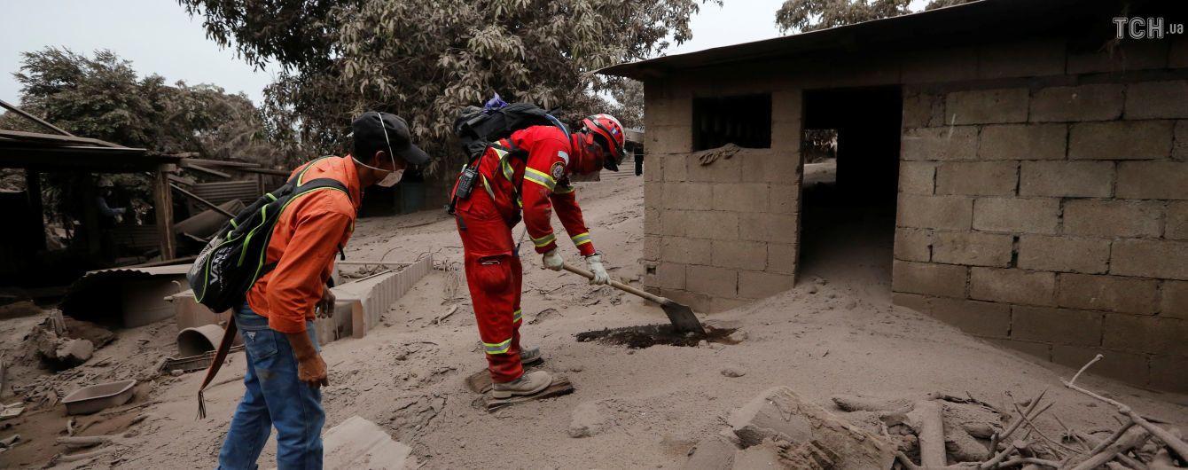 Колличество жертв извержения вулкана в Гватемале возросло до 75 человек