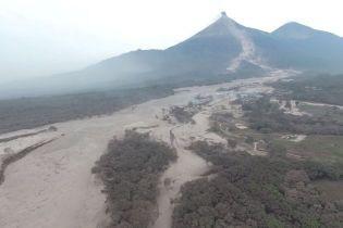 Все в попелі: з'явилися фото наслідків виверження вбивчого вулкана у Гватемалі
