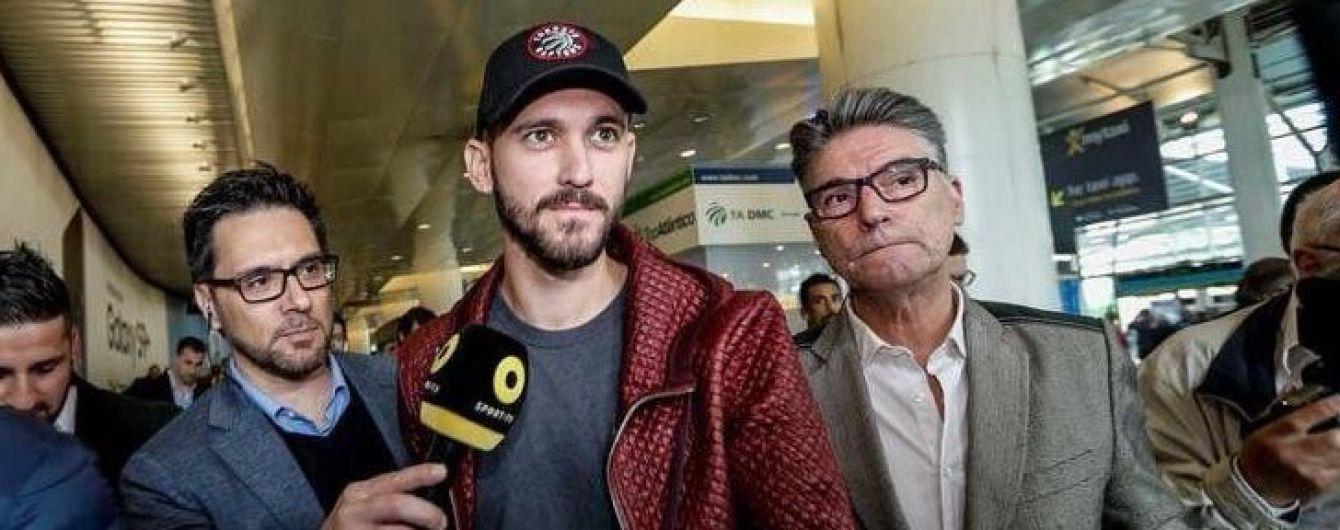 """Футболіст """"Шахтаря"""" прибув до Лісабона для підписання контракту з """"Бенфікою"""""""
