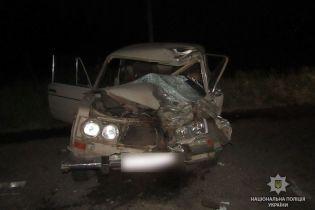На Полтавщині зіткнулись ВАЗ та самохідний обприскувач: двоє людей загинули