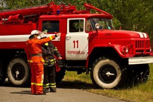Гасять літаками та вертольотом. У ДСНС розповіли подробиці пожежі у  Чорнобильській зоні
