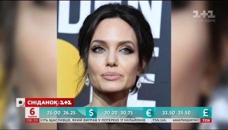 Анджелина Джоли сыграет главную роль в фильме по мотивам сказок Льюиса Кэрролла