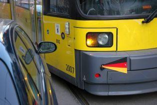 Паркування на трамвайних рейках може обійтися в тисячу євро