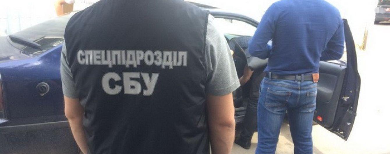 У Хмельницькому СБУ викрила прокурора-хабарника