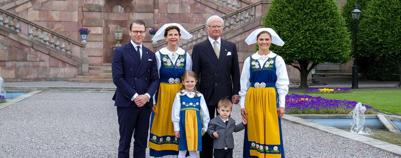 Национальный день в Швеции: королевская семья на торжественном мероприятии