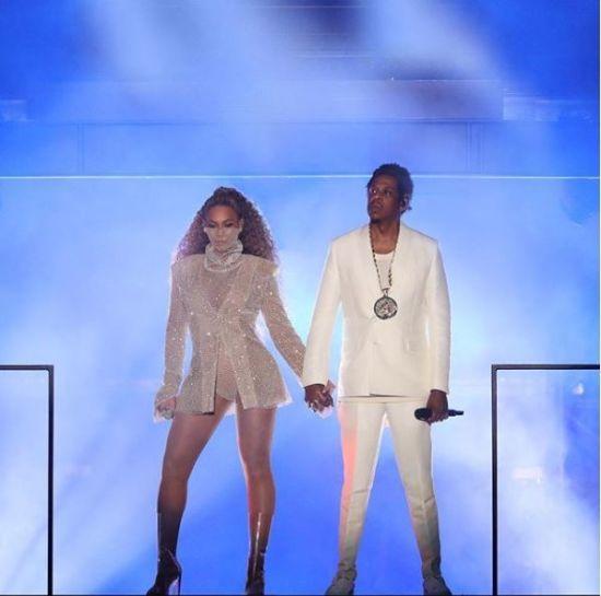 Бейонсе та Джей Зі показали двійнят під час грандіозного шоу