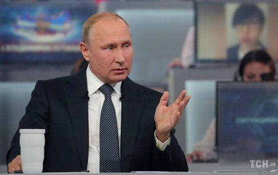 """""""Не треба доводити до абсурду"""": Путін прокоментував арешти за публікації в соцмережах"""