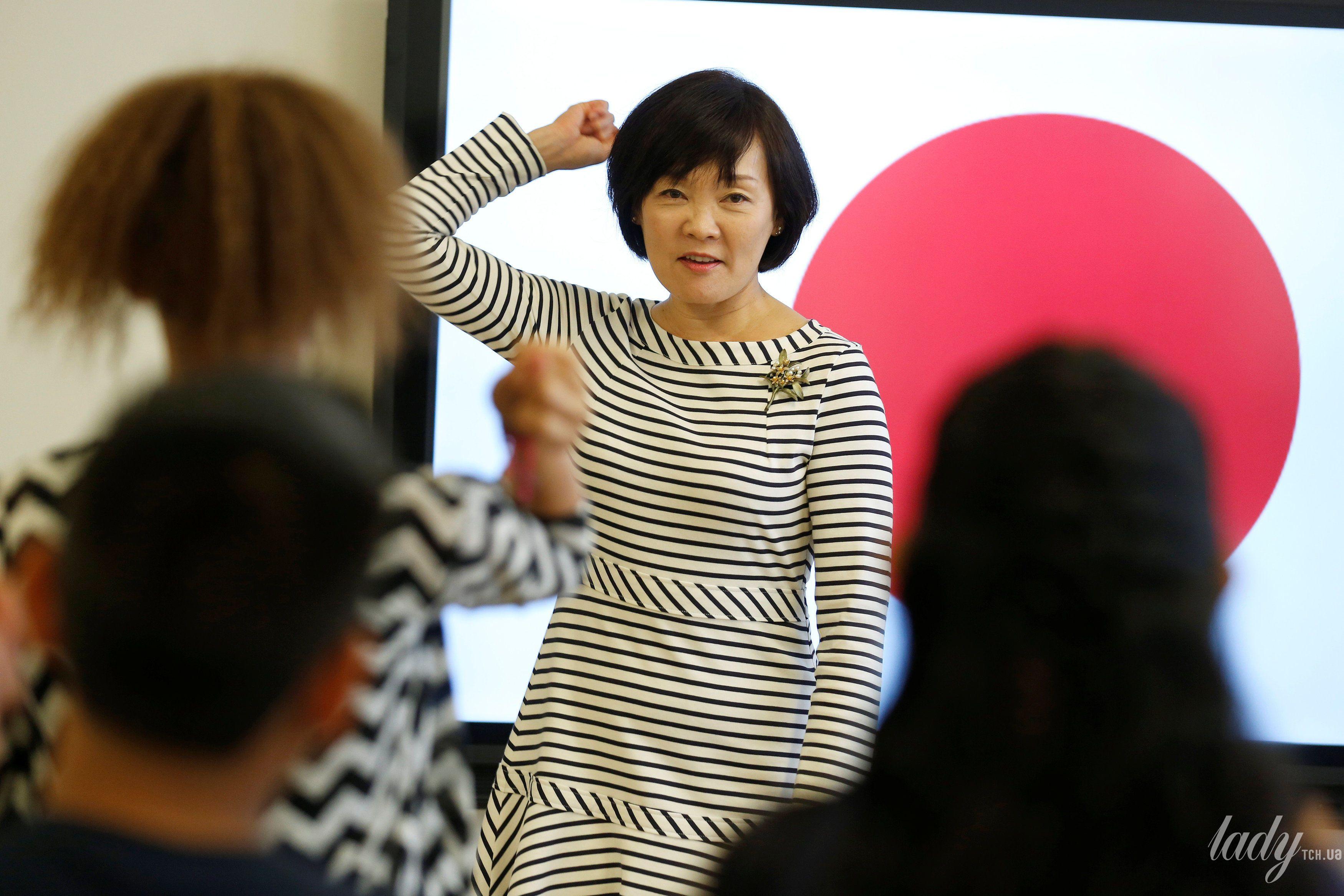 Жена премьер-министр Японии Аки Абэ_1