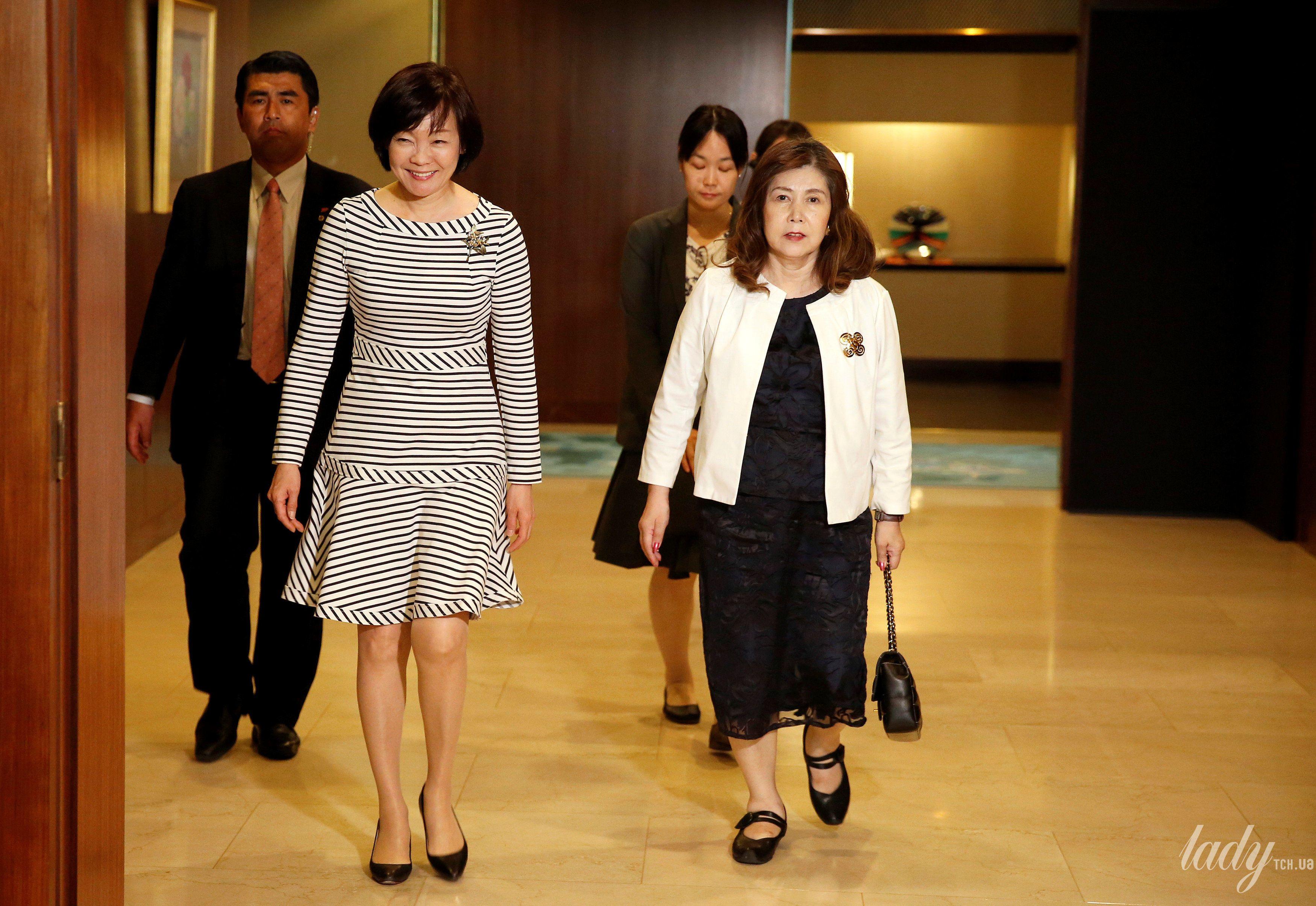 Жена премьер-министр Японии Аки Абэ_4