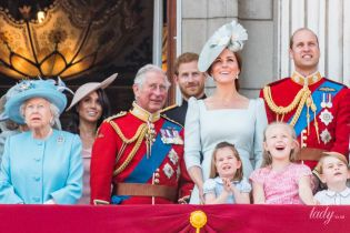 В элегантном платье от Alexander McQueen: герцогиня Кембриджская на параде в честь дня рождения королевы Елизаветы II