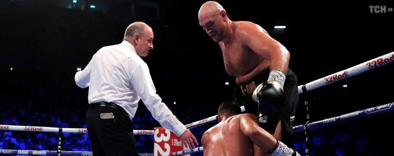 Болельщики устроили жесткую драку во время боя Фьюри с Сефери