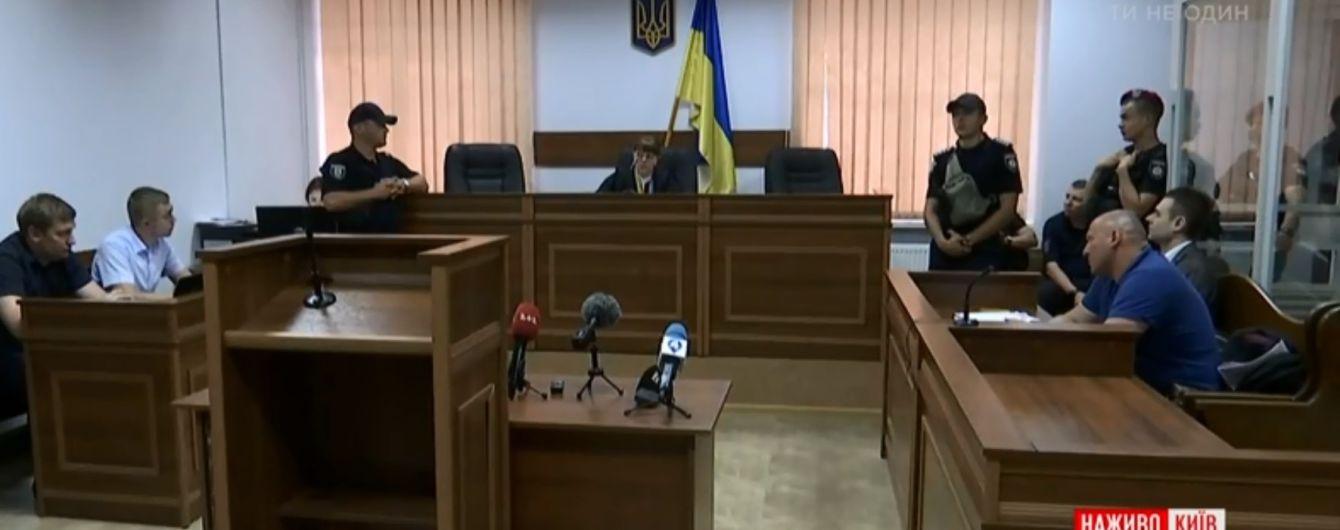 С аплодисментами и исчезновением света: как в Киеве, отправили за решетку догхантера Святогора