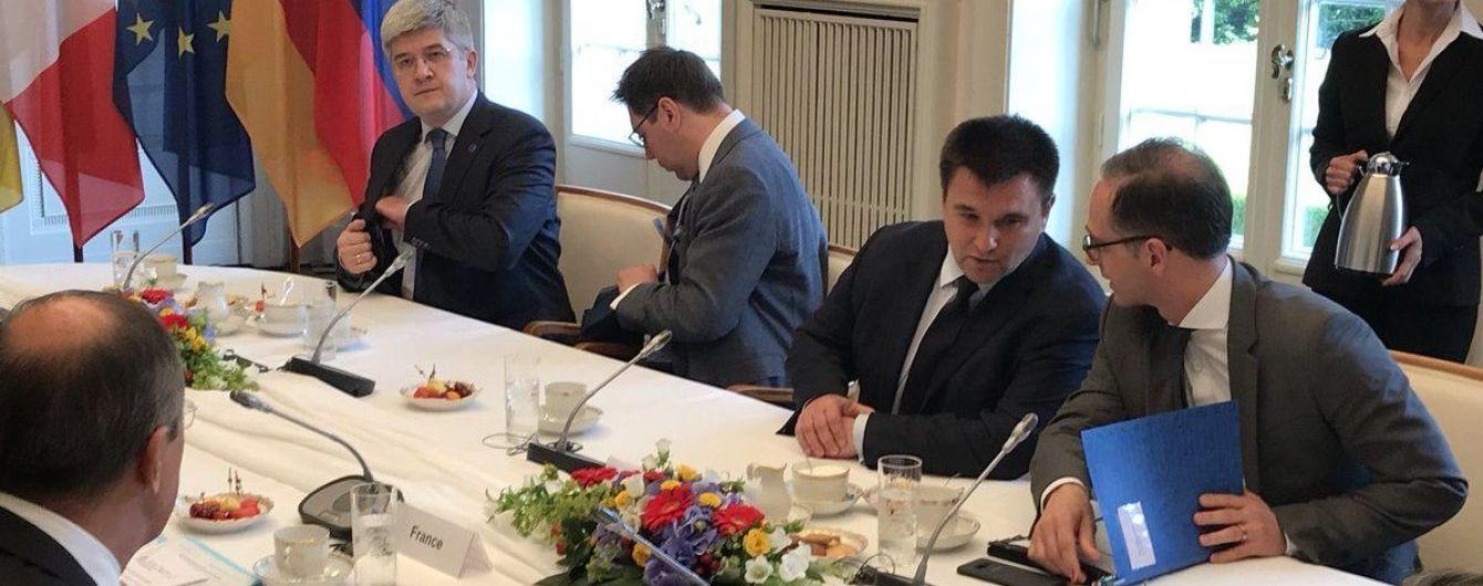 """""""Нормандская четверка"""" впервые предметно обсудила миротворцев и освобождение политзаключенных - Климкин"""