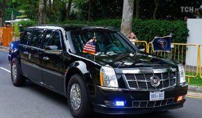 Cadillac, Mercedes та мотоцикли: як виглядали кортежі лідерів США та КНДР