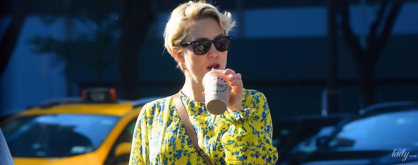 В красивом платье и стоптанных кроссовках: беременная Кейт Хадсон на улицах Нью-Йорка
