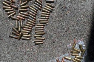 Пістолет за 2,5 тисячі доларів. У Києві поліція затримала торговців нелегальною зброєю