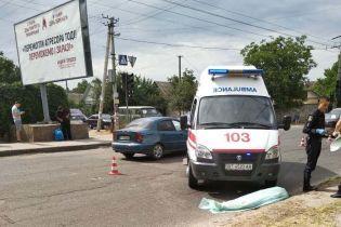 В Херсоне скорая на пешеходном переходе переехала насмерть пенсионерку