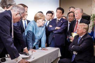 Трамп прокомментировал фотографию с Меркель, которая вызвала бурную реакцию в Сети