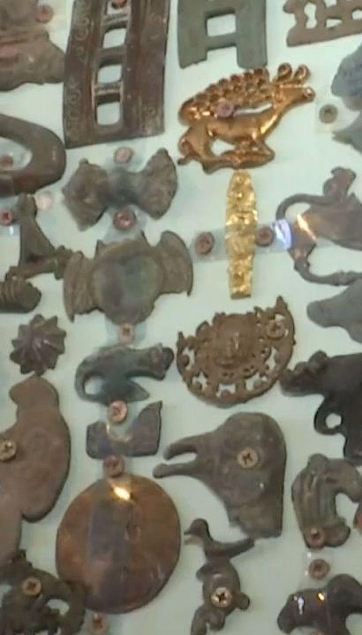 Житель Херсонщины превратил собственный двор в музей старинных артефактов