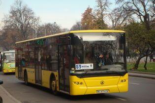 Львівський завод через чотири роки запустив автобуси на конвеєр