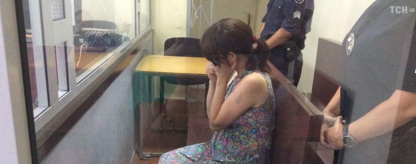 Суд отправил под домашний арест горе-мать, которая пыталась продать своего младенца