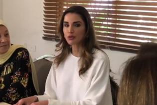 Выбрала классику: новый образ королевы Иордании Рании