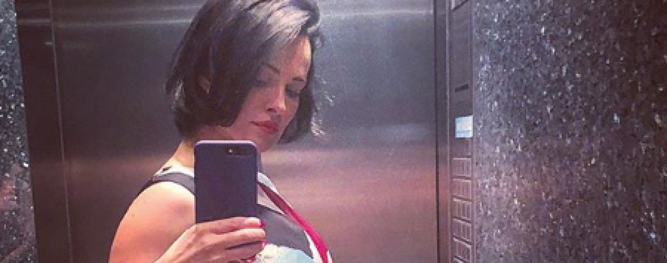 Беременна или переела: Даша Астафьева заинтриговала фолловеров округлившимся животом