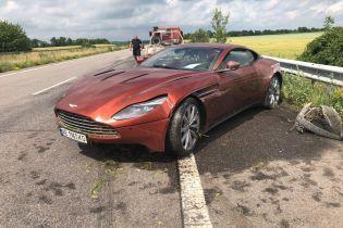 В Украине бросили разбитый спорткар за 200 тысяч долларов