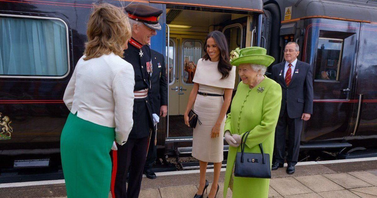 Меган Маркл и королева Елизавета II @ twitter.com/kensingtonroyal