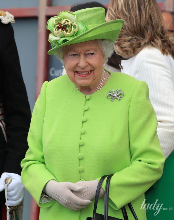 Елизавета II и Меган Маркл_4