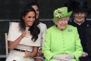 Віч-на-віч з королевою: Меган вперше без принца Гаррі супроводила Єлизавету II на захід