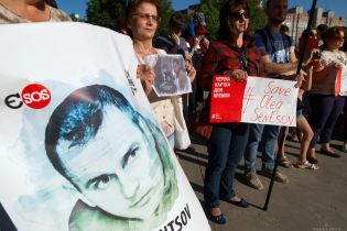 Денісова попросила побачити Сенцова хоча б по відеозв'язку