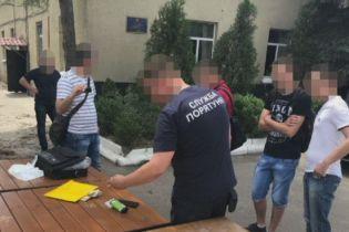 У Дніпрі СБУ затримала пожежного начальника за систематичне хабарництво