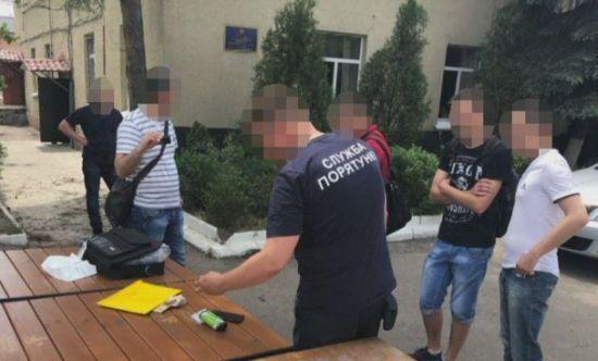 В Днепре СБУ задержала пожарного начальника за систематическое взяточничество