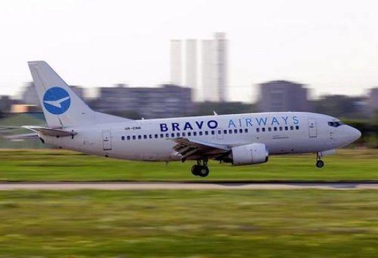 Аеропорт у Жулянах відновив роботу після інциденту з паражирським літаком