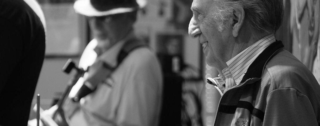 У США помер легендарний барабанник Елвіса Преслі