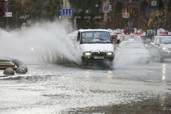 Четвер буде з грозовими дощами та зливами в окремих регіонах. Прогноз погоди на 12 липня