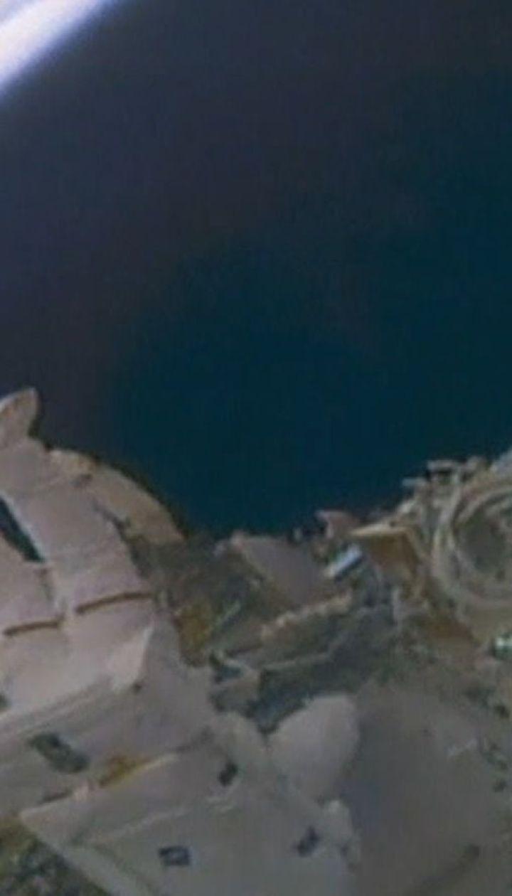 Американські астронавти вийшли у відкритий космос, аби встановити камери