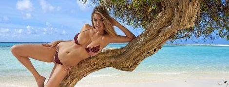 Пышные формы в открытых купальниках: что публикует в Сети самая сексуальная девушка планеты