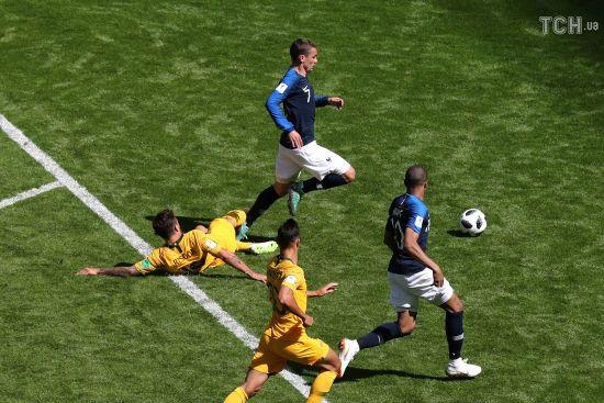 Франція забила у ворота Австралії після перегляду головним арбітром відеоповтору