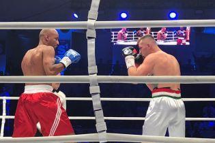 Український боксер Сіллах зазнав третьої поразки поспіль