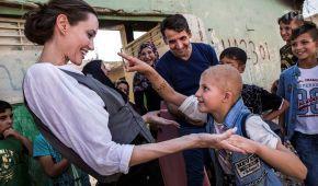 """Анджеліна Джолі побувала у колишній """"столиці"""" """"Ісламської держави"""" в Іраку"""