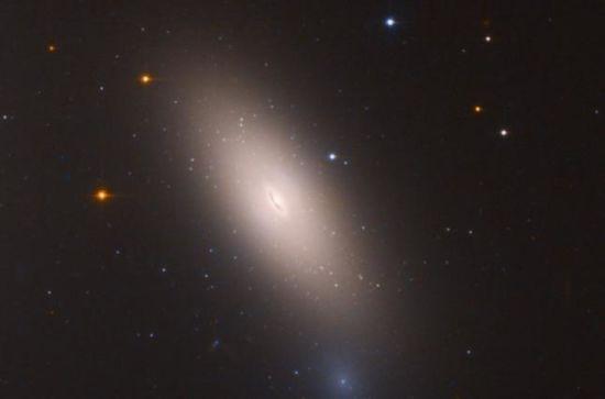Астрофізики знайшли галактику, яка майже не змінилася з часів раннього Всесвіту