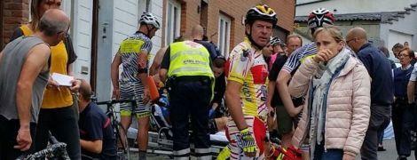 В Бельгии во время соревнований велосипедистов 20 спортсменов получили травмы в результате столкновения с авто