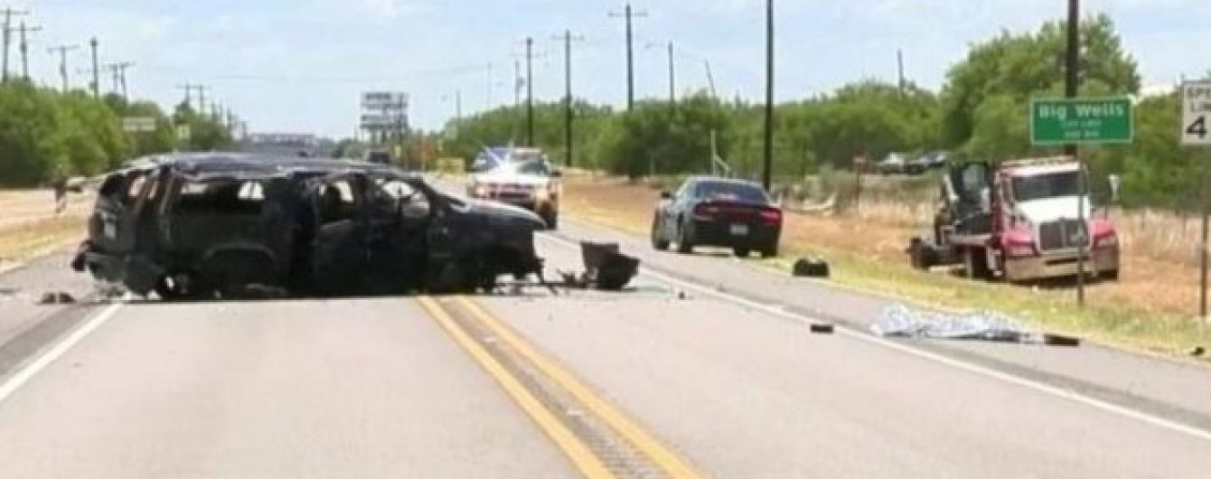 У Техасі перекинувся мікроавтобус: є загиблі