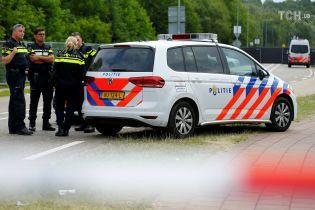 На музыкальном фестивале в Нидерландах автобус протаранил толпу, есть погибшие
