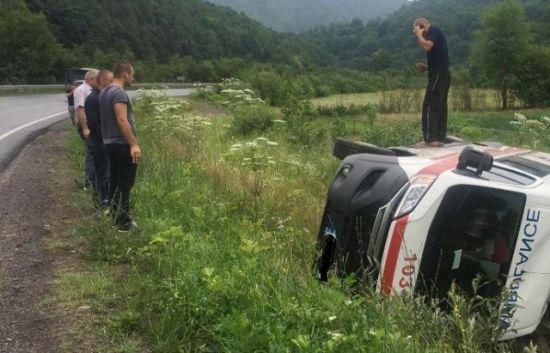 """В аварію на Закарпатті потрапила карета """"швидкої"""" з пацієнтом"""