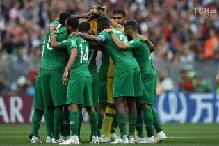 У літака збірної Саудівської Аравії загорівся двигун під час перельоту на матч ЧС-2018