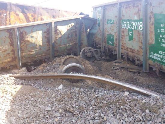 У Дніпрі залізничники замінили розкрадену колію, через яку зійшов потяг