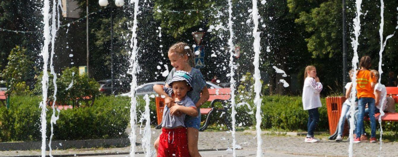 В Україні буде спекотно та з короткочасними дощами. Прогноз погоди на 10 липня